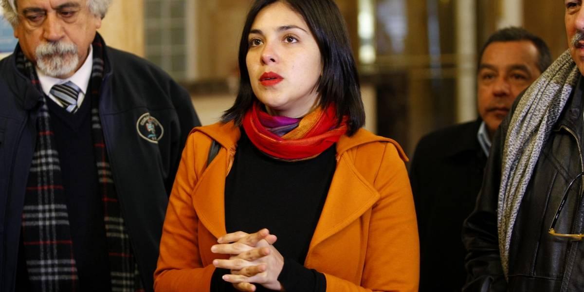 """Diputados por retiro de homenajes a partícipes de la dictadura: """"No es posible que existan carteles con el nombre de Pinochet"""""""