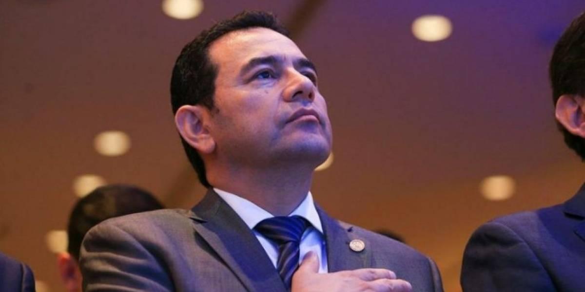 Ministerio de la Defensa se pronuncia ante señalamiento por cheque a Jimmy Morales