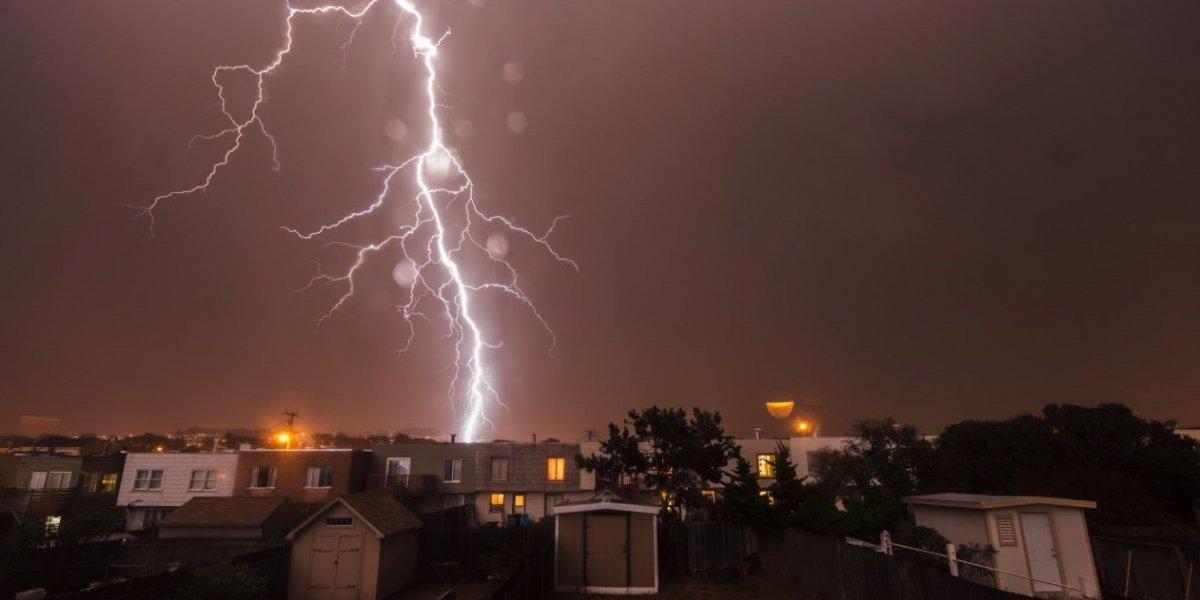 """San Francisco es golpeada por 800 rayos en una tormenta """"apocalíptica"""""""