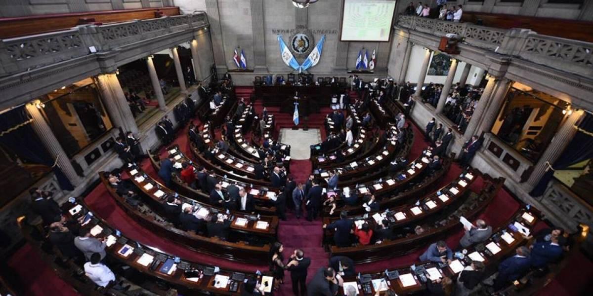 """Presidente del Congreso convoca a diputados para sesión en la buscarían """"rectificar"""" aprobación de reformas"""