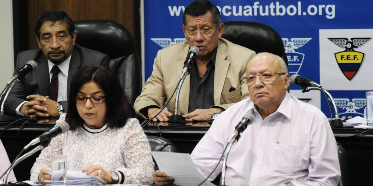 Jorge Célico dirigirá los dos últimos partidos de la Selección de Ecuador en Eliminatorias