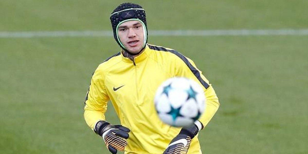 A lo Cech: Ederson volvió a entrenar con casco en el City y deja en duda titularidad de Bravo
