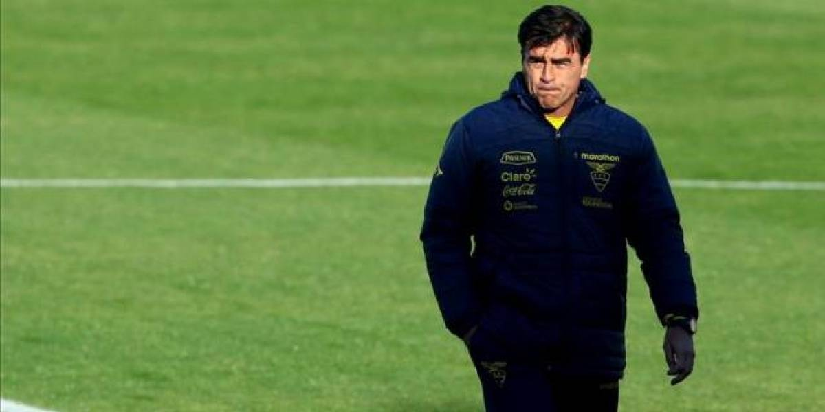 Federación Ecuatoriana de Fútbol espera la renuncia de Gustavo Quinteros
