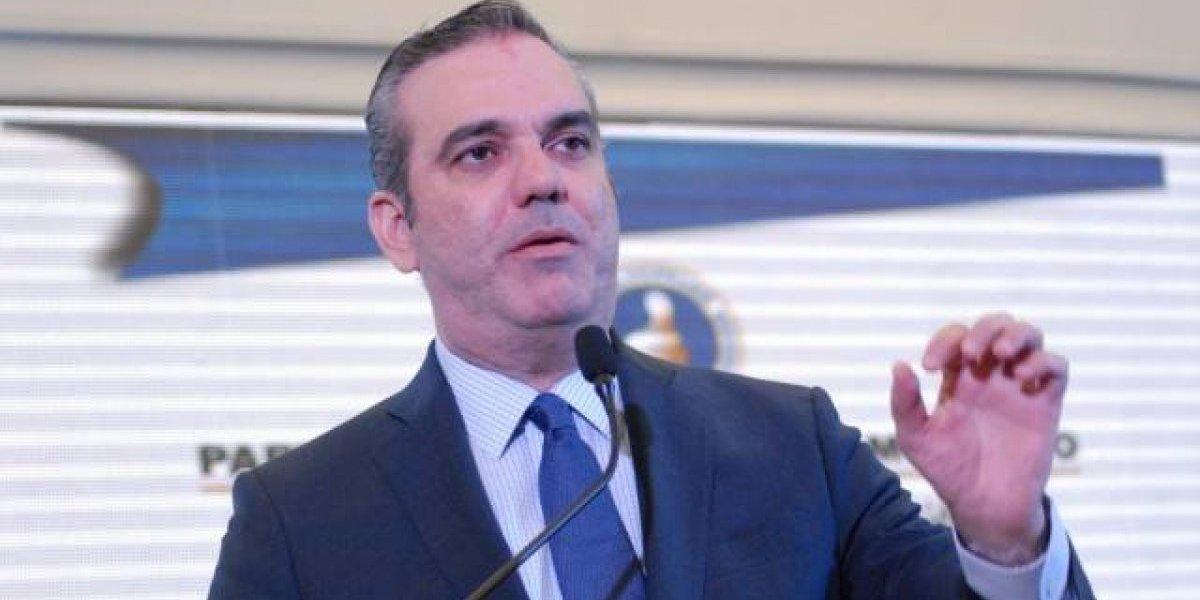 Luis Abinader llama al pueblo a seguir unido por el cese de la corrupción