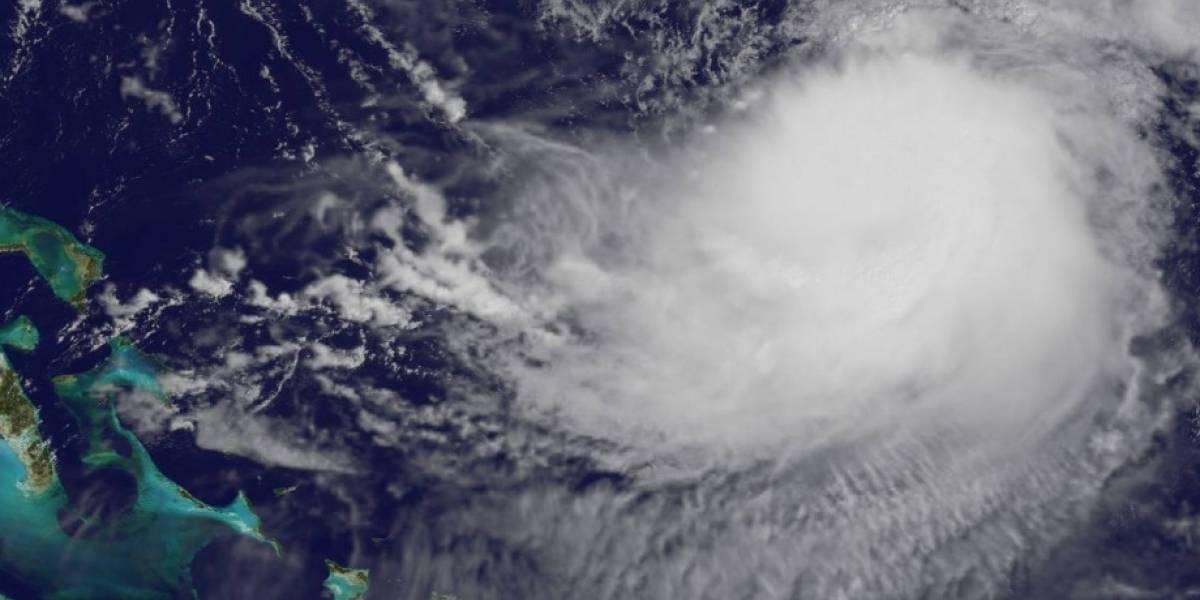 Huracán José deambula muy al noreste de Bahamas