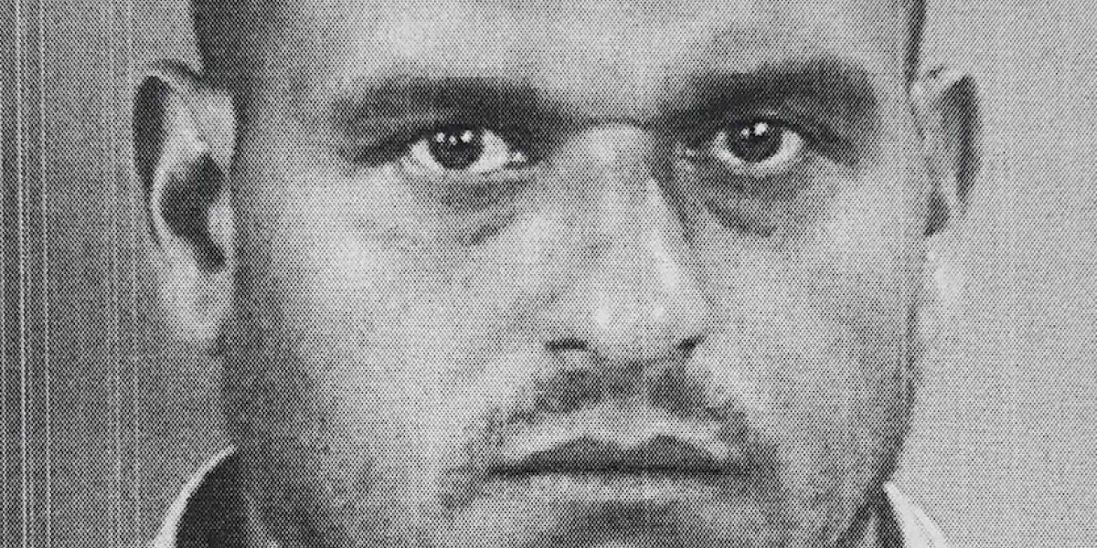 Arrestan sujeto que rompió cristales de auto para robarle radio