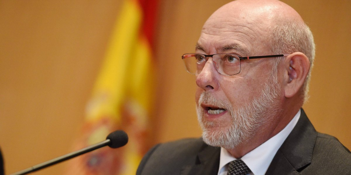 Fiscalía española pide imputar a alcaldes catalanes que cedan locales para referéndum