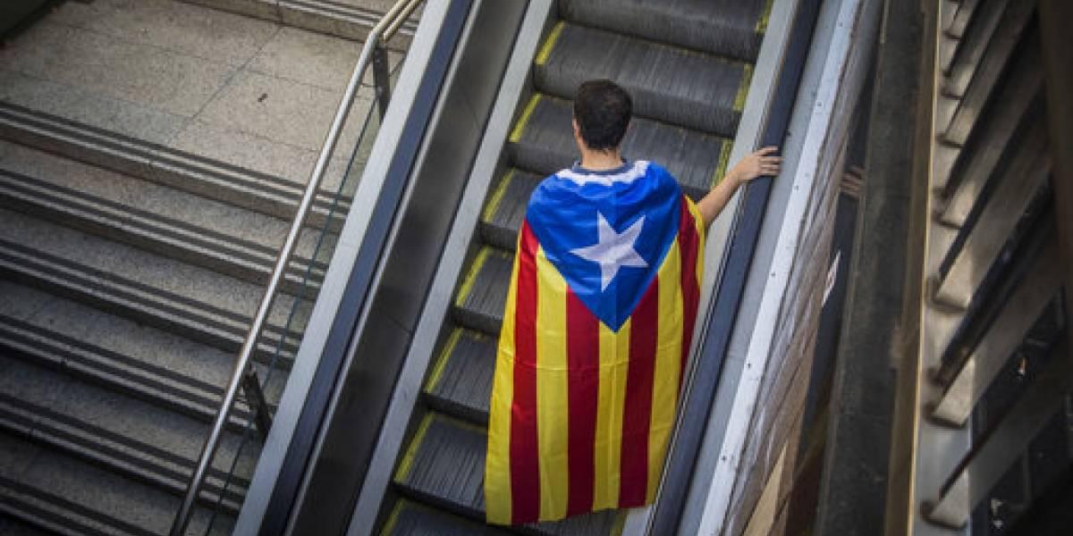 Investigarán más de 700 alcaldes por cooperar con referendo catalán