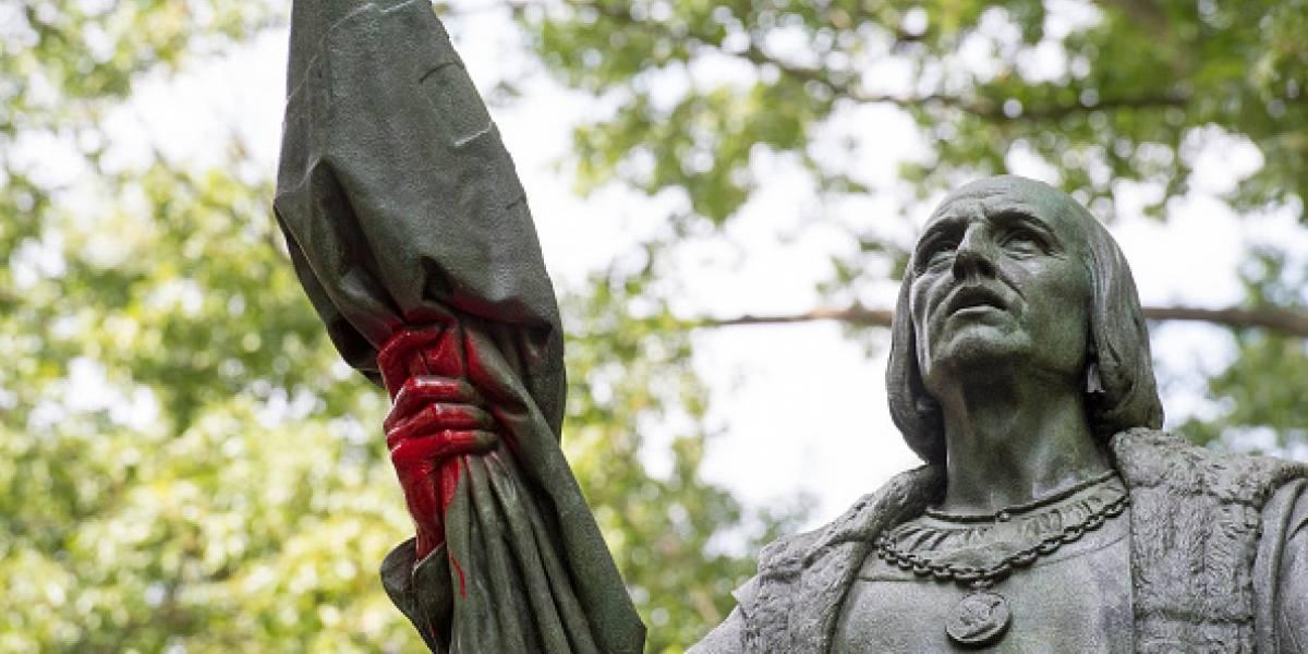 Estatua de Colón en Central Park amanece rayada en medio de pugna por su posible retirada