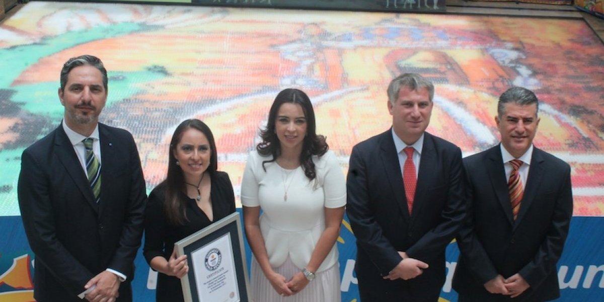 FOTO. Guatemala rompió el Récord Guinness del mosaico de agua más grande del mundo