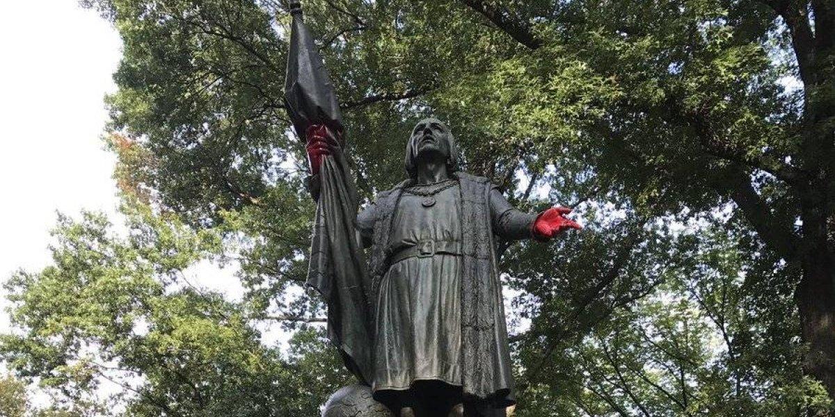 Vandalizan estatua de Cristobal Colón en Nueva York
