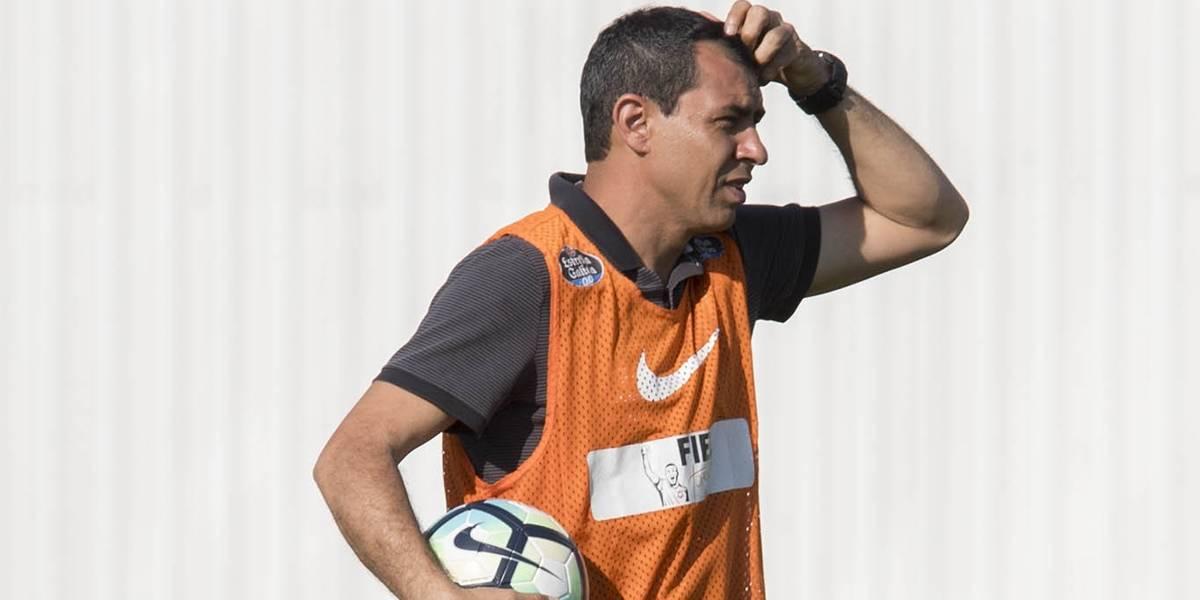Carille revela que Jô quase virou goleiro do Corinthians contra o Atlético-PR