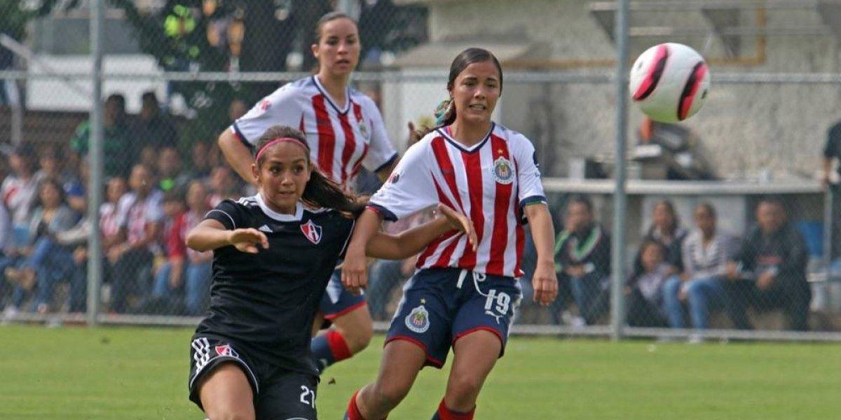 Chivas presenta nueva playera verde para el Apertura 2017