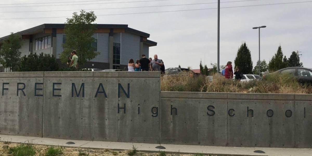Al menos un muerto y 5 heridos deja tiroteo en secundaria de Washington