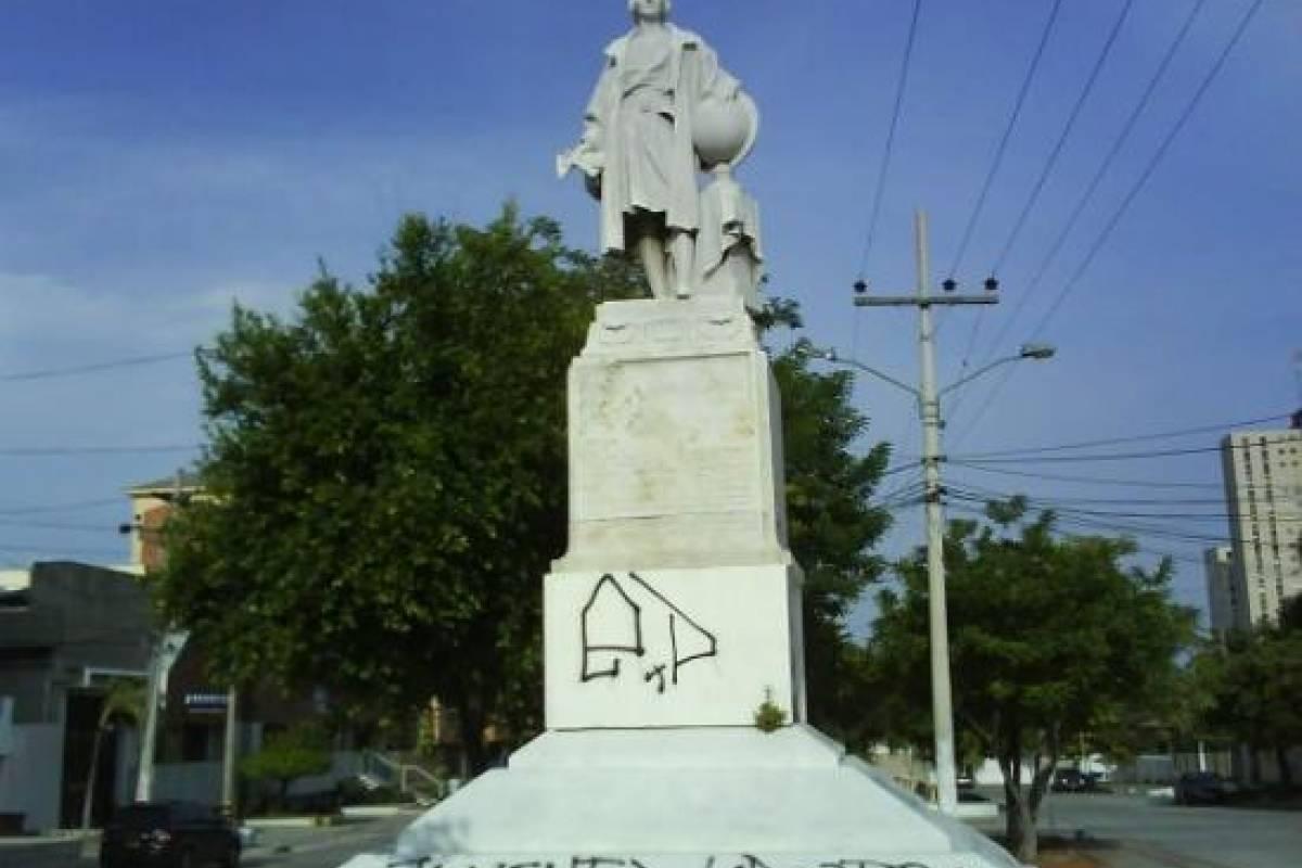 Estatua de Colón en Barranquilla, Colombia