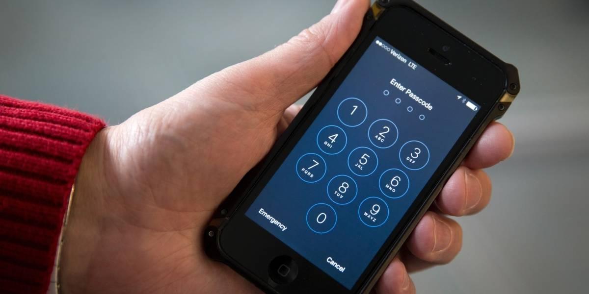 Demandan a EEUU por registrar laptops y teléfonos