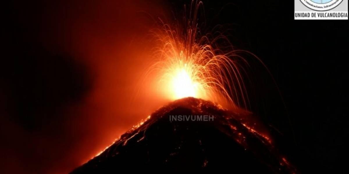Reportan erupción de Volcán de Fuego en Guatemala