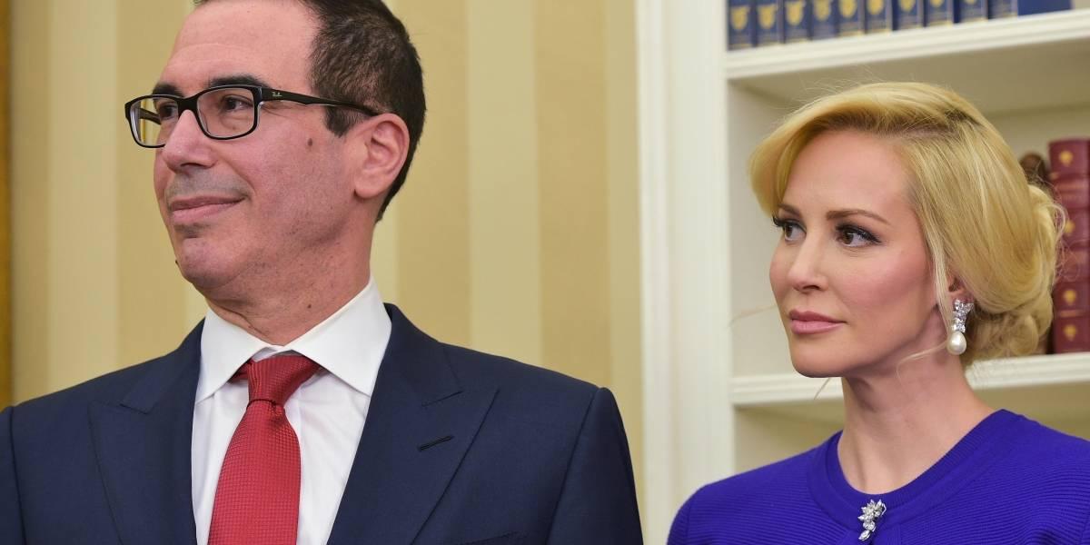 Secretario del Tesoro de EEUU pidió jet militar para su luna de miel