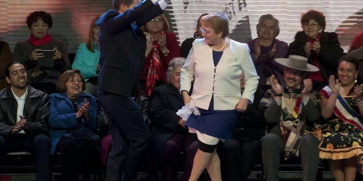 Presidente Bachelet da inició a la fonda oficial con el tradicional pie de cueca