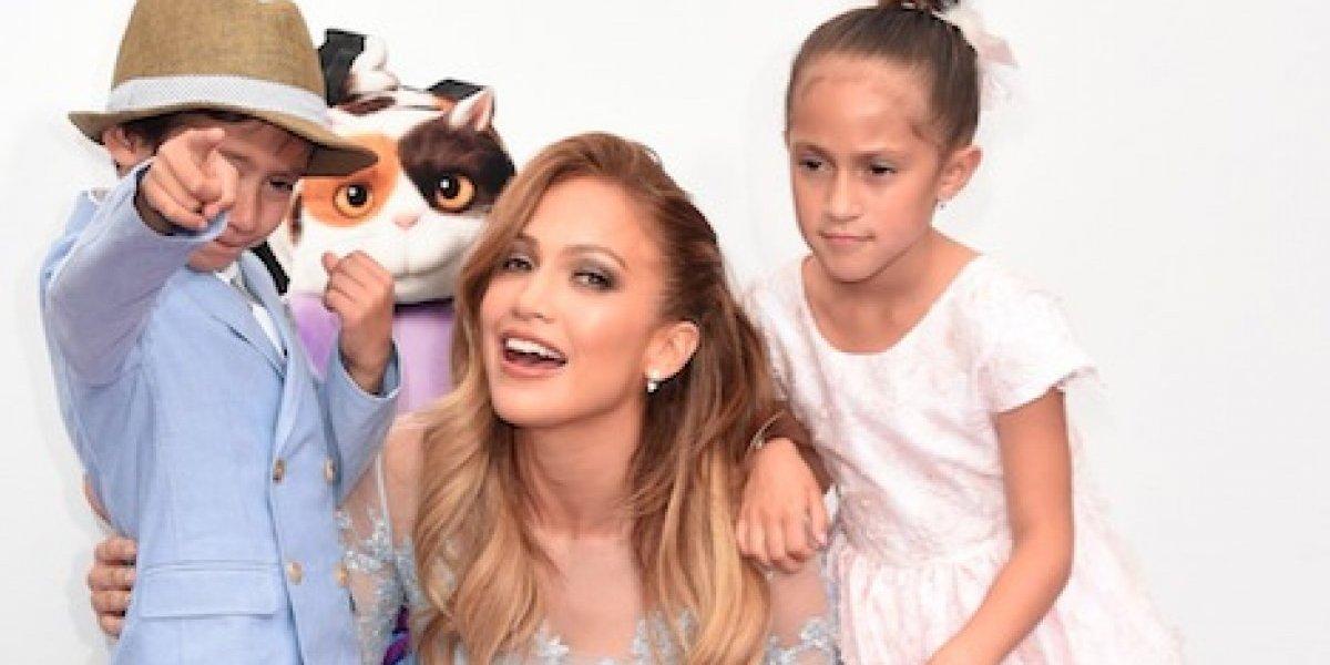 Jennifer López comparte la primera sesión de fotos al lado de su hija