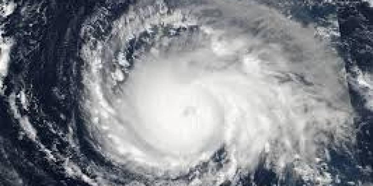 Huracán Max se apresta a tocar tierra en el sur de México