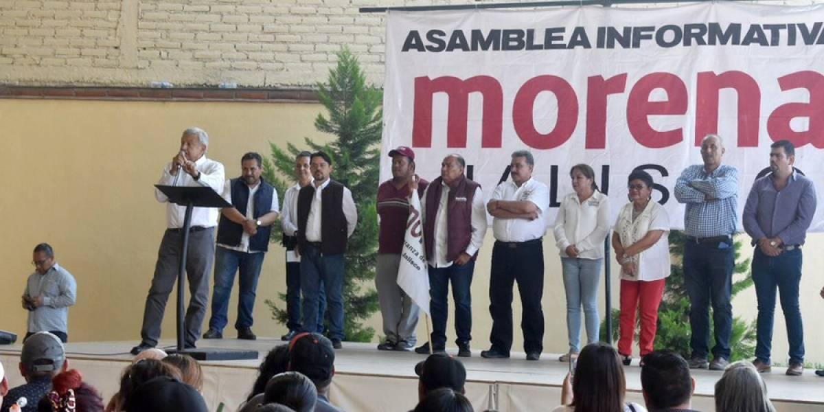 AMLO se reúne con legisladores de Morena para ayudar a damnificados