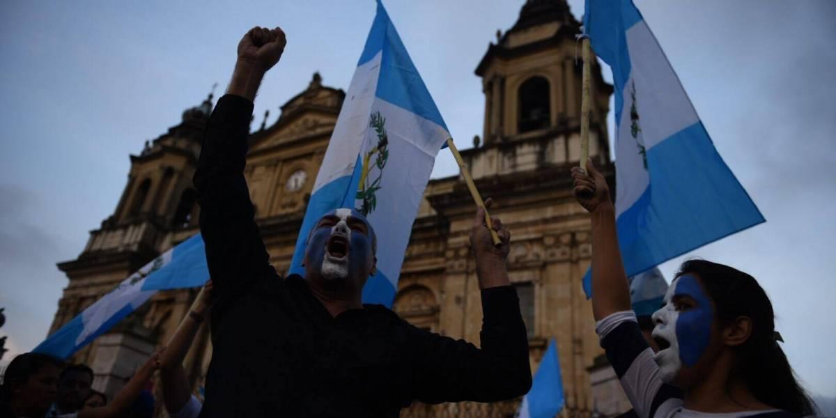 Guatemaltecos protestan contra el #PactoDeImpunidad en Plaza de la Constitución