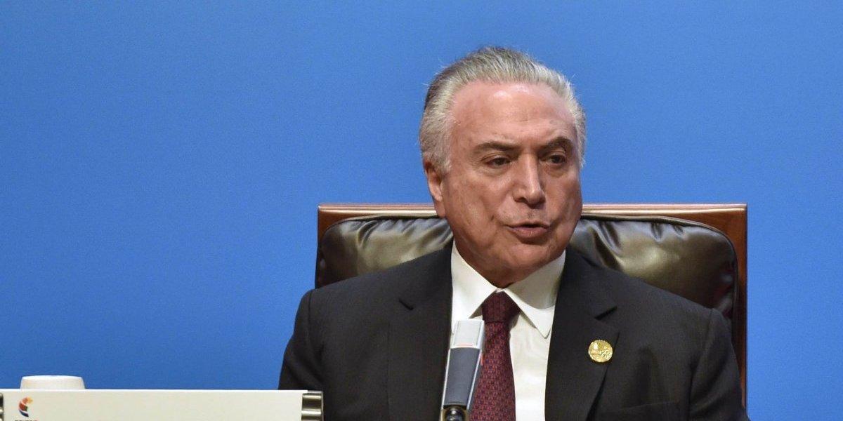 Acusan a presidente de Brasil de obstrucción de justicia