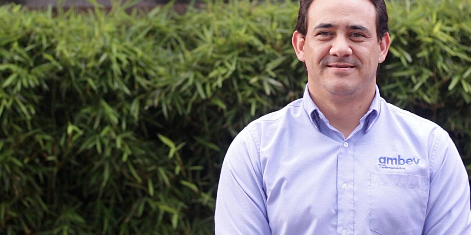 Roberto Batres, gerente de Asuntos Corporativos de Ambev Centroamérica