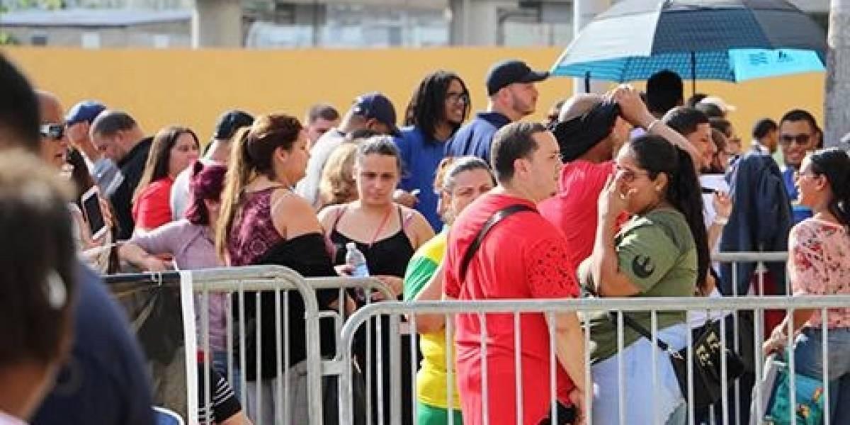 Miles acuden a venta especial boletos para despedida de Don Omar