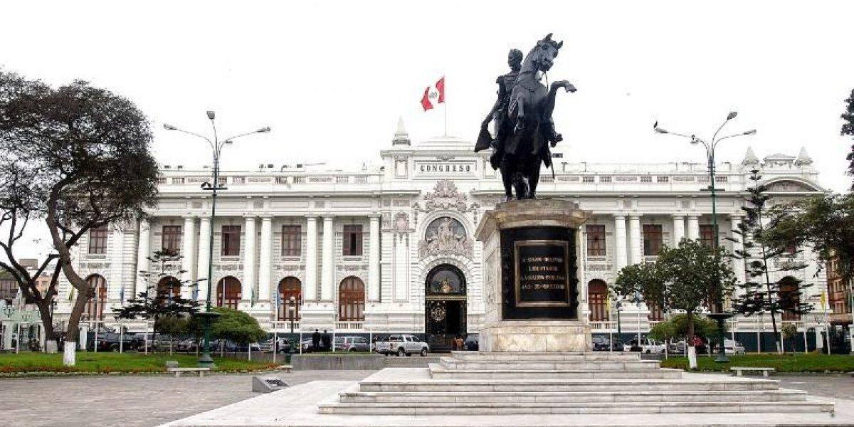 PPK pierde pulsada con congreso del Perú y debe renovar su gabinete