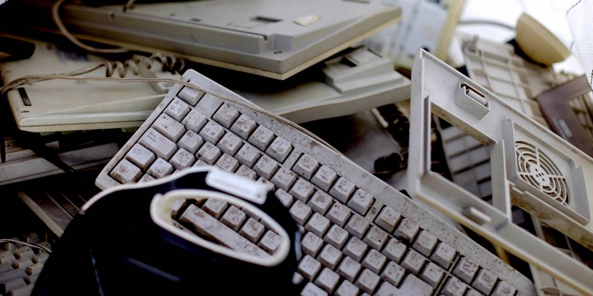 Reciclaron computadores viejos para construir 305 nuevos que se instalaron en colegios municipales de Cerro Navia