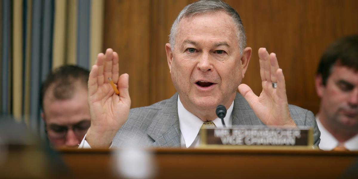 Deputado republicano tenta fechar acordo entre Trump e o WikiLeaks