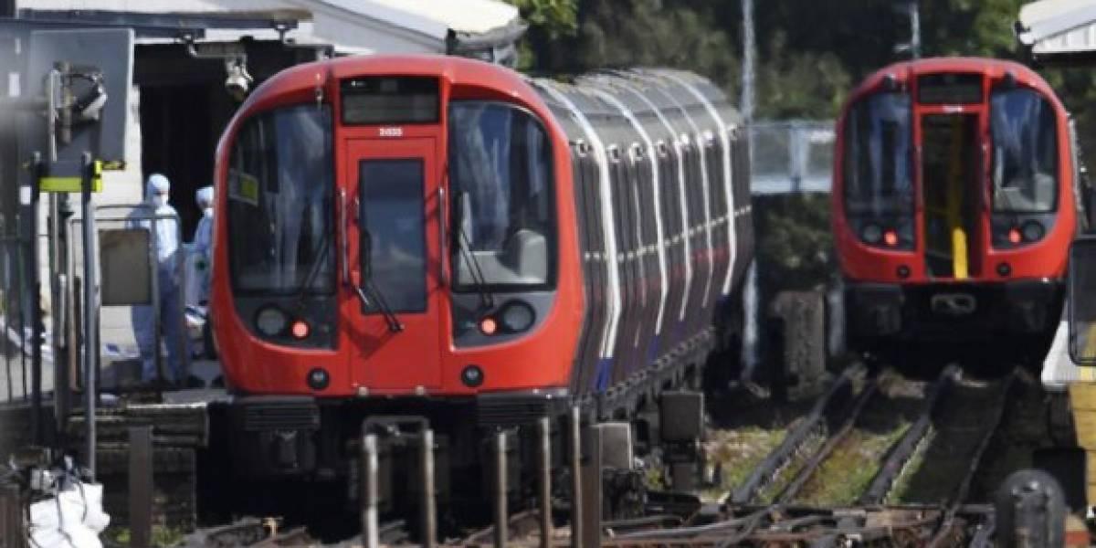 """Veintidós heridos en un atentado con un """"cubo bomba"""" en el metro de Londres"""