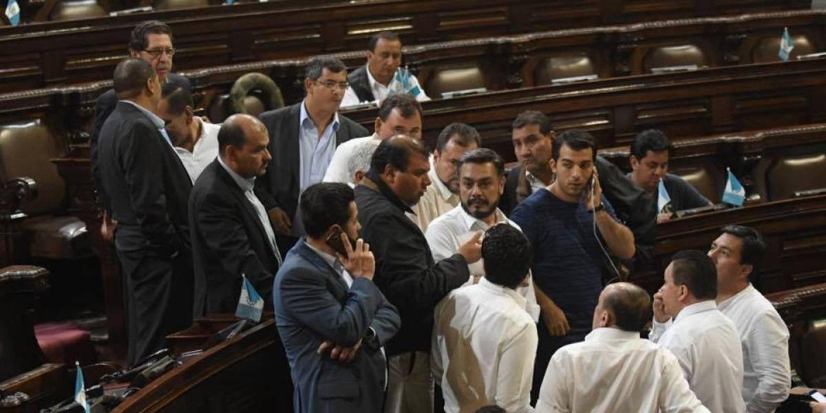 """Diputados se quejaron en la PDH de que los manifestantes llevaban """"combustible"""""""