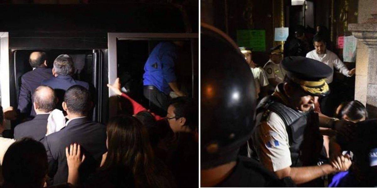 Diputados son evacuados del Congreso con la fuerza policial