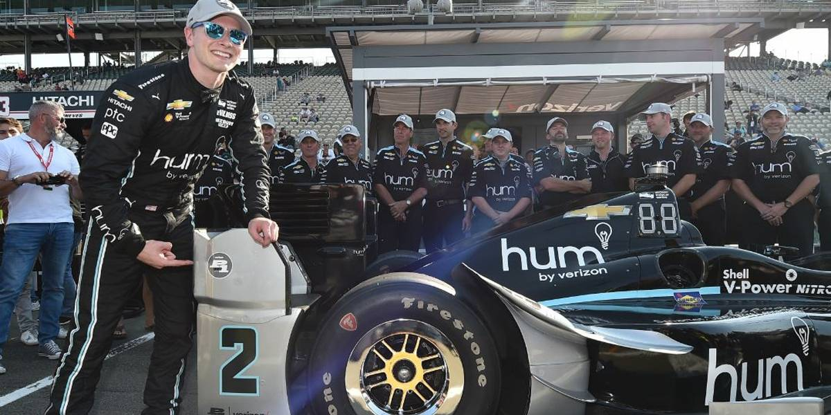 Newgarden faz a pole na última prova da Indy em 2017