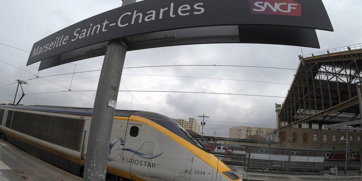 Pánico en estación de trenes de Marsella por ataque con ácido a 4 jóvenes estadounidenses