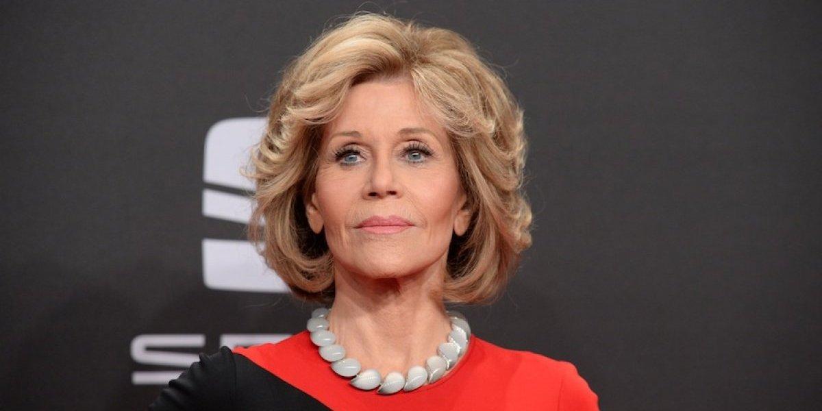 Jane Fonda luce irreconocible en los premios Emmy 2017