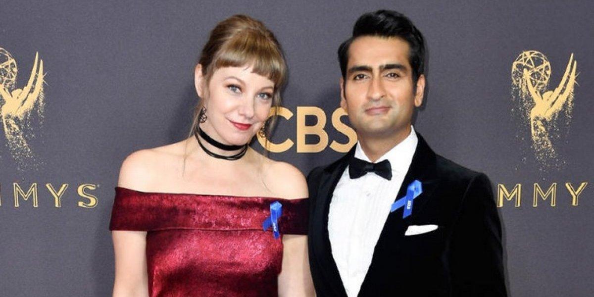 La noble causa por la que las celebridades utilizaron un listón azul en los premios Emmy 2017