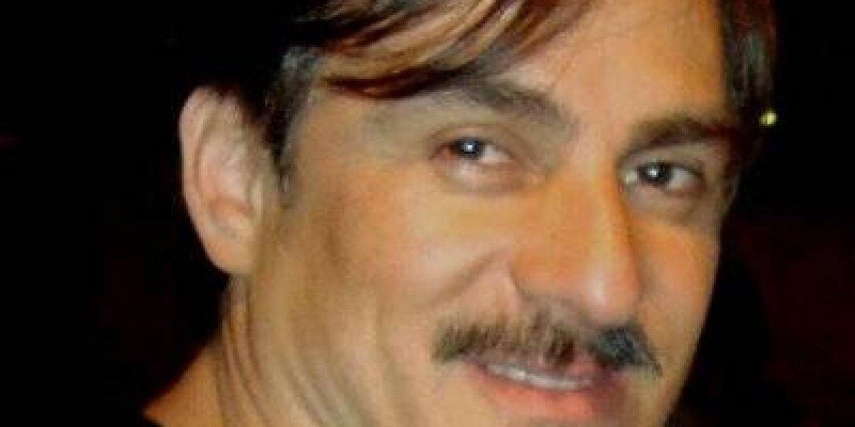 A este actor colombiano le tocó lavar carros en su luna de miel, tras sufrir una estafa
