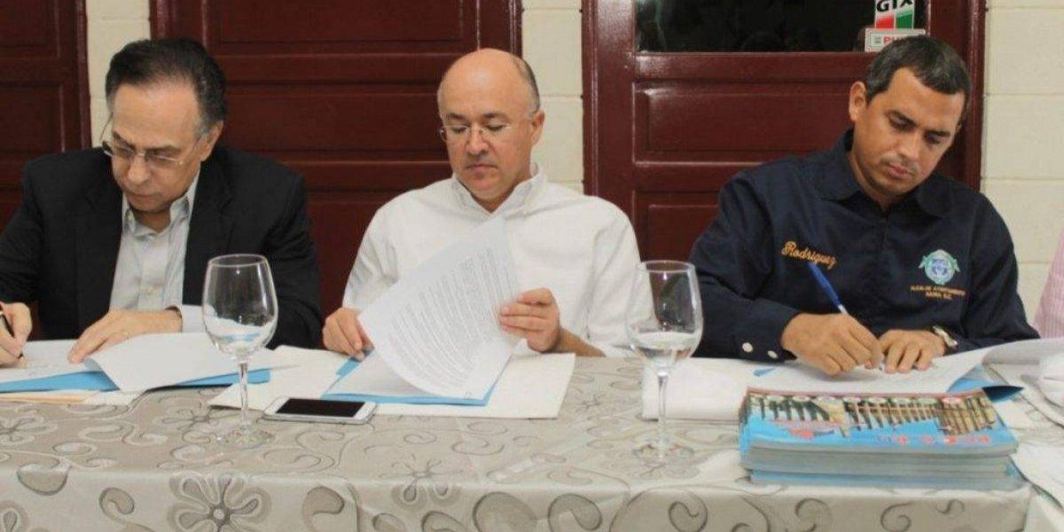 Firman acuerdo para ampliar conservación ambiental en zona industrial Haina
