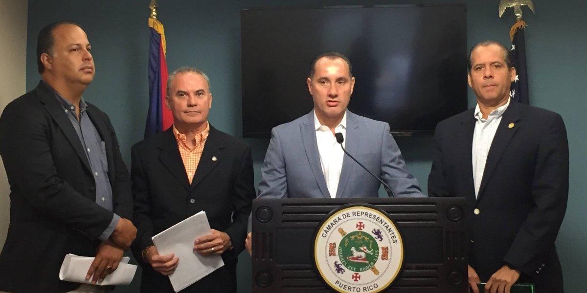 Presentan medidas a favor de los clientes de la AEE afectados por el paso de Irma