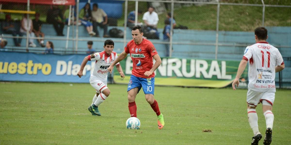 Municipal vence a Malacateco con goles de Kamiani y Méndez