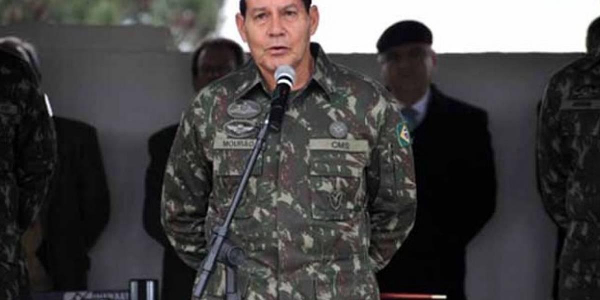Vice de Bolsonaro, General Mourão nega ter desmerecido mulheres após frase polêmica