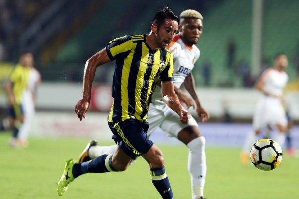 Pese a tener regularidad en el Fenerbahçe, Mauricio Isla podría marcharse de Turquía al término de la presente temporada / Foto: Twitter