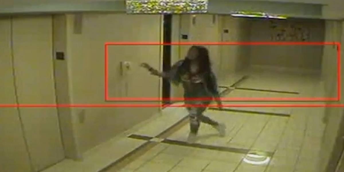 ¿Por la joven entró al congelador donde fue hallada muerta?