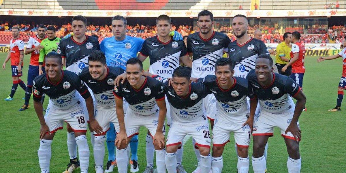 Por confusión de uniformes, Veracruz atrasó su partido