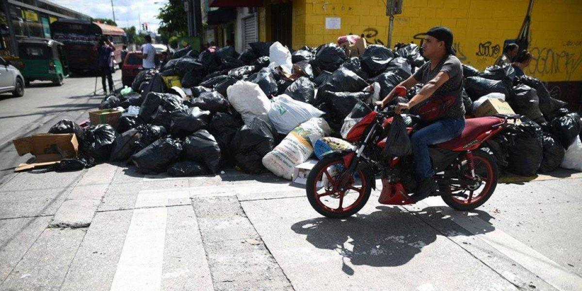 Piden mantener la basura en las viviendas mientras se regulariza servicio de extracción