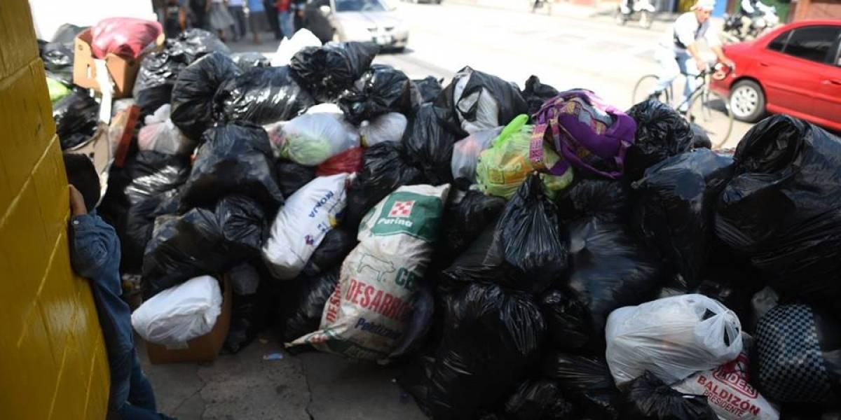 Los ataques armados contra recolectores dejan las calles llenas de basura